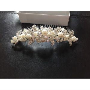 David's Bridal Crystal & Pearl Hair Comb